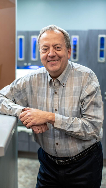 Dr. Robert Bronski